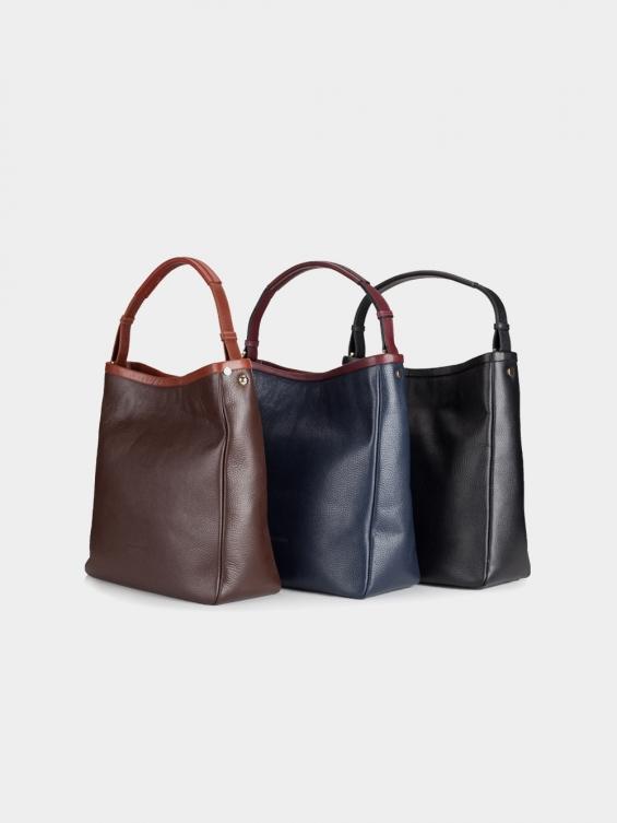 کیف دوشی زنانه آدرینا LHB4578 EX رنگ مشکی و سرمه ای و عسلی